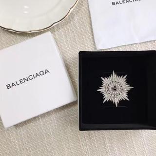 Balenciaga - バレンシアガ ブローチ