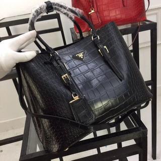 PRADA -  PRADA プラダ ワニ革 品質S級 貴重品 トートバッグ