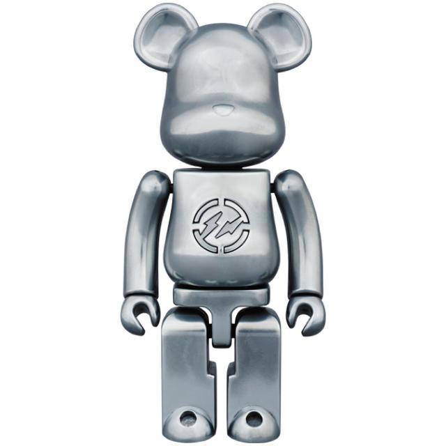 MEDICOM TOY(メディコムトイ)のfragmentdesign ベアブリック エンタメ/ホビーのおもちゃ/ぬいぐるみ(キャラクターグッズ)の商品写真