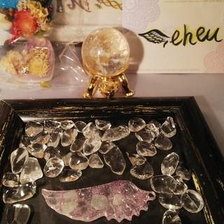 水晶、翡翠の羽オルゴナイト(๑´ㅂ`๑)♡(その他)