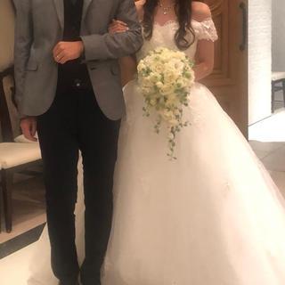 結婚式2次会や前撮りにおすすめ*お花とレースのウェディングドレス