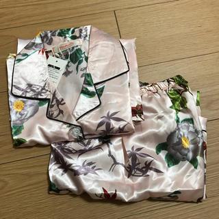 花柄パジャマ 新品未使用