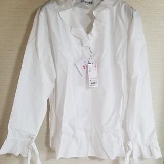 UNIQLO - 大きいサイズ 新品未使用フリルブラウスシャツ