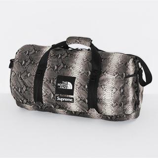 シュプリーム(Supreme)のsupreme Flyweight Duffle Bag(ドラムバッグ)