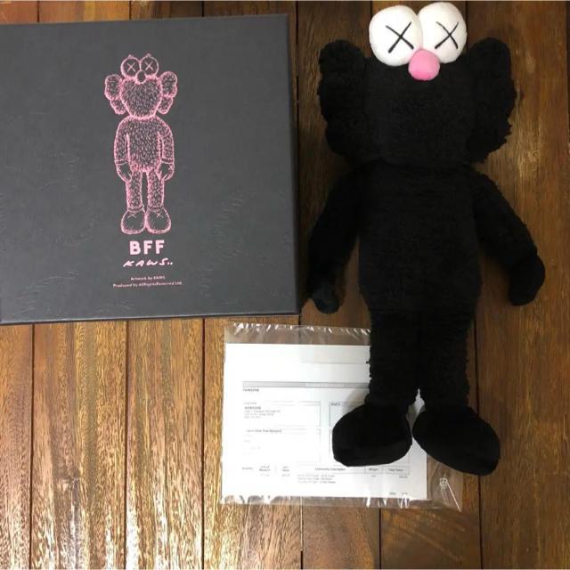 正規品 KAWS BFF PLUSH BLACK VERSION エンタメ/ホビーのおもちゃ/ぬいぐるみ(ぬいぐるみ)の商品写真
