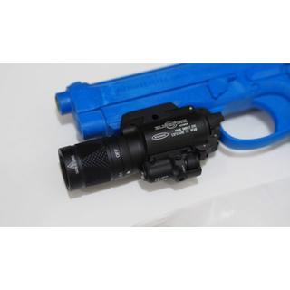 シュアファイア(SUREFIRE)の新品・SUREFIRE X400V・シュアファイア/ストロボ・レーザー機能搭載(カスタムパーツ)