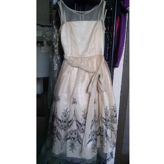 インフィニティ チュール ドレス