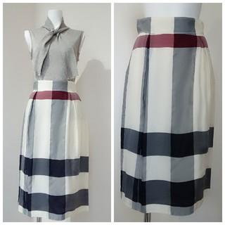 バーバリー(BURBERRY)のBURBERRY ESTABLISHED 1856♥スカート(ひざ丈スカート)