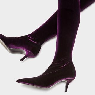 ザラ(ZARA)の残り2点‼️【新品 希少 完売】大人の紫色♡美シルエットで脚長♪ソックスブーツ♡(ブーツ)
