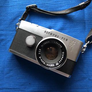 オリンパス(OLYMPUS)の★OLYMPUS PEN- F★フィルムカメラ★ケースとアクセサリーシュー付き(フィルムカメラ)