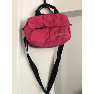 カンゴール(KANGOL)の!韓国ブランド 登山 スポーツ 超美品 韓国ファッション バッグ  赤(ウエストポーチ)