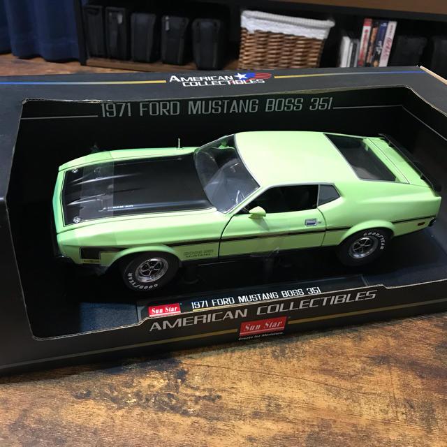 SUNSTAR(サンスター)の早い者勝ち! 1971 FORD MUSTANG BOSS 351 1:18 エンタメ/ホビーのおもちゃ/ぬいぐるみ(ミニカー)の商品写真