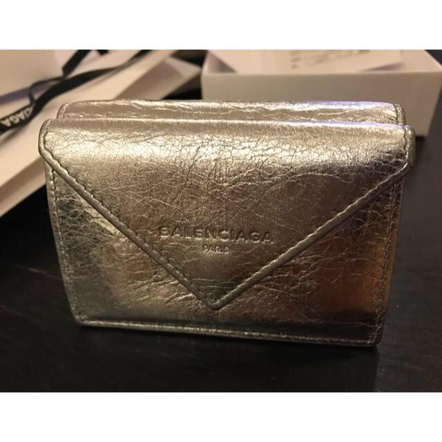 sale retailer 0a5ce 5a60b バレンシア人気のミニ三つ折り財布‼️シルバー