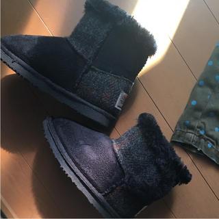 シマムラ(しまむら)のしまむら×ハリスツィード フワモコボア付きショートブーツ ブラック18㎝美品(ブーツ)