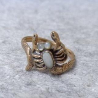 1110 蠍ブロンズリング5.5号 青銅製 天然貝 エスニック ゴシック(リング(指輪))