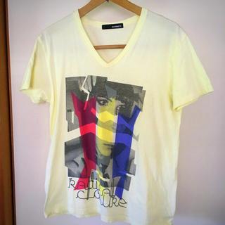 ハムネット(HAMNETT)の美品です!HAMNETT グラフィックプリント Vネック Tシャツ(Tシャツ/カットソー(半袖/袖なし))