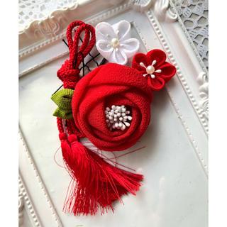 華つまみ【玉椿】赤×白 4点セット つまみ細工 髪飾り 和装 卒業式 成人式(ヘアピン)
