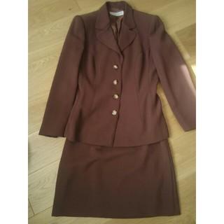 アルベルタフェレッティ(ALBERTA FERRETTI)の【週末まで】alberta ferretteの茶色のスーツ(スーツ)