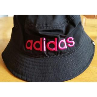 アディダス(adidas)のadidasバケットハット(ハット)