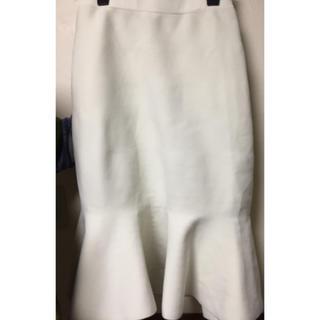 グーコミューン(GOUT COMMUN)の白スカートGOUT COMMUN(ひざ丈スカート)