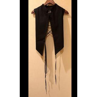 ハイダーアッカーマン(Haider Ackermann)の値下ハイダーアッカーマン バック編み上げ ベスト 光沢のあるブラック 34 美品(ベスト)