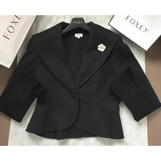 フォクシー(FOXEY)のFOXEY✨女優襟カシミヤジャケット40(テーラードジャケット)