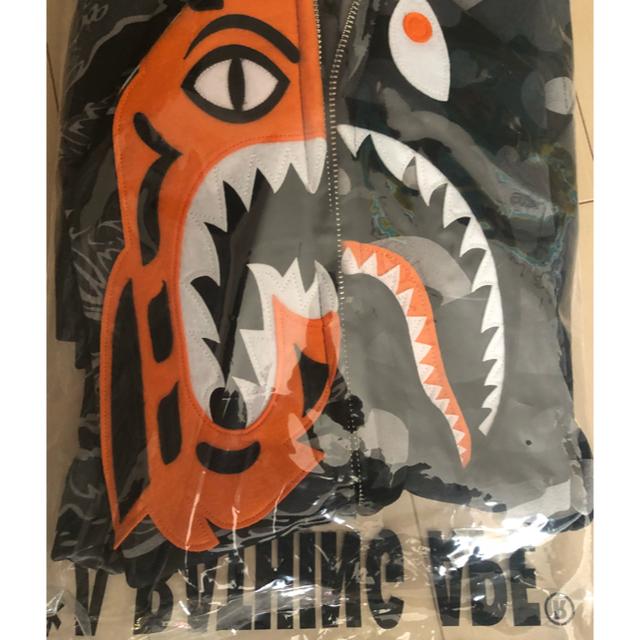 A BATHING APE(アベイシングエイプ)のBAPE×UNDEFEATED TIGER SHARK メンズのトップス(パーカー)の商品写真