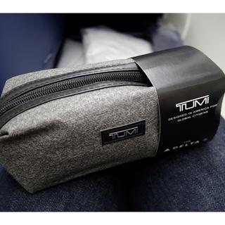 トゥミ(TUMI)の新品未使用 非売品 TUMI×デルタ航空 オリジナルポーチ(旅行用品)
