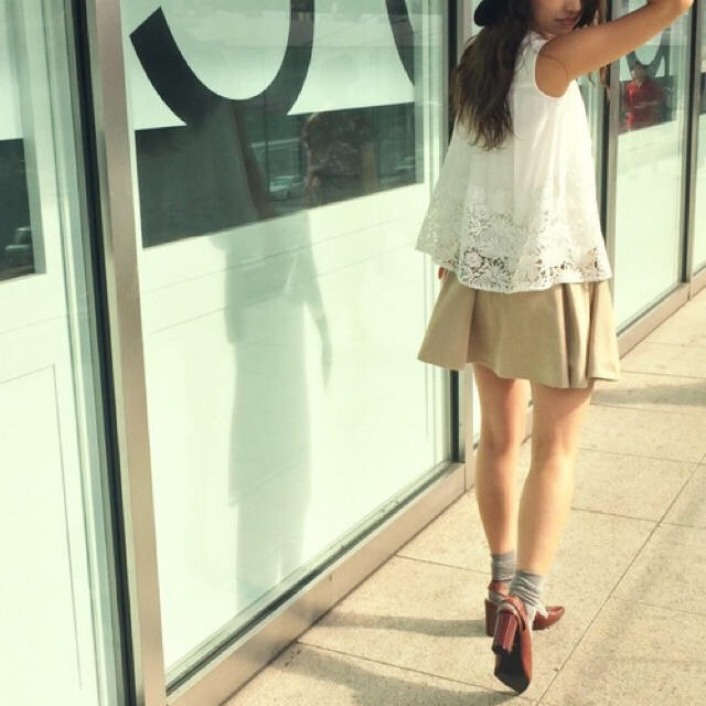 MERCURYDUO(マーキュリーデュオ)の『MERCURYDUO』スエード調 サイドボタン スカート マーキュリーデュオ レディースのスカート(ミニスカート)の商品写真
