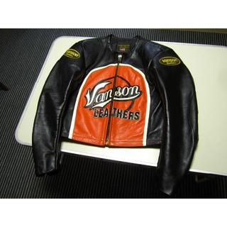 バンソン(VANSON)の美品 バンソン ライダース 38 ブラック×オレンジ(ライダースジャケット)