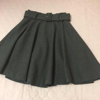 キッカザダイアリーオブ(KIKKA THE DIARY OF)のベルト付きフレアスカート(ひざ丈スカート)