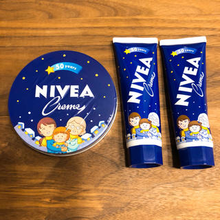 ニベア(ニベア)の【新品未使用】さくらももこ ニベアチューブ 限定版 2本、大缶1個(ハンドクリーム)