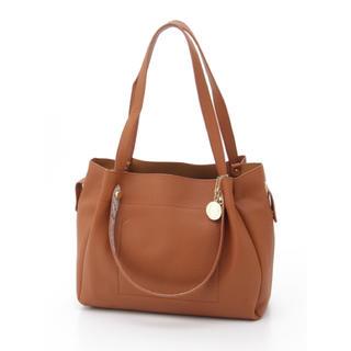 クーコ(COOCO)の新品 定価8532円 クーコ キャメル バッグインバッグ ショルダーバッグ(ショルダーバッグ)