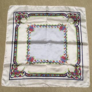 オルベネ(ORBENE)の【未使用】スカーフ 白 花柄(バンダナ/スカーフ)