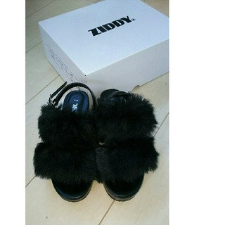 ジディー(ZIDDY)のZIDDY ジディー ファー サンダル 靴 今期 新作(ブーツ)