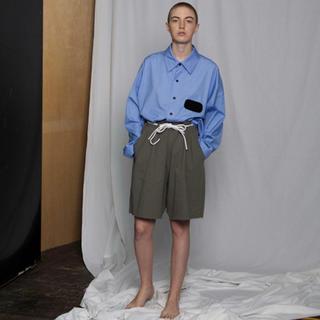 エドウィナホール(Edwina Hoerl)のcotton tuck short pants(ショートパンツ)