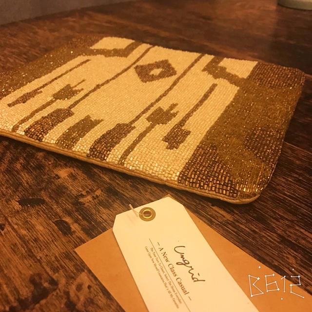 Ungrid(アングリッド)のungird ネイティヴ柄 ビーズクラッチバッグ レディースのバッグ(クラッチバッグ)の商品写真