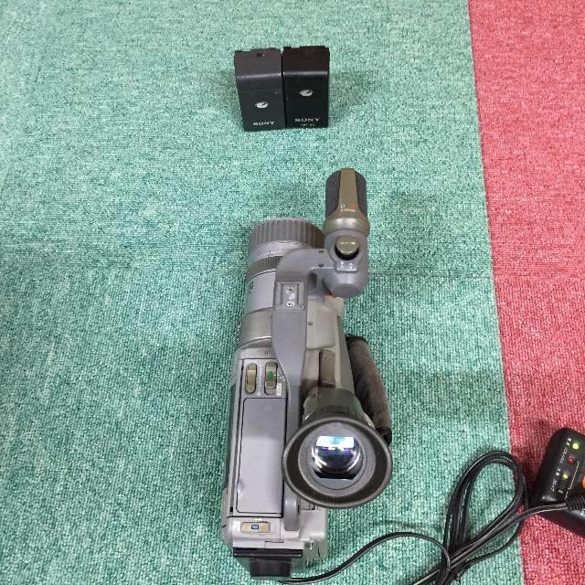 SONY(ソニー)のSONY 3CCD Hi8カメラ CCD-VX1 本体+オプションレンズ+他 スマホ/家電/カメラのカメラ(ビデオカメラ)の商品写真
