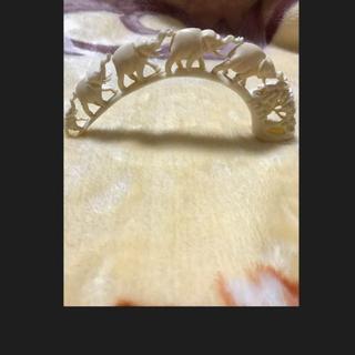 カバの牙の彫刻 河馬牙彫刻 象 置物 綺麗物(彫刻/オブジェ)
