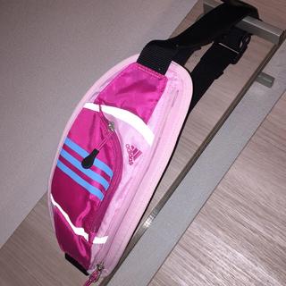 アディダス(adidas)のアディダス  ウエストポーチ  ヒップバック  未使用  ピンク(ボディバッグ/ウエストポーチ)