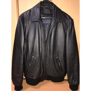 シェビニオン(CHEVIGNON)の革ジャン、取り外し可能な襟ボア、中綿インナー付き。メーカーはシェビニオン。(レザージャケット)