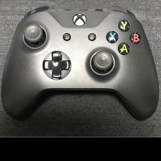 エックスボックス(Xbox)のXBOX ONE 新型ワイヤレスコントローラー 美品(家庭用ゲーム機本体)