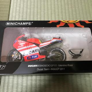 ドゥカティ(Ducati)のミニチャンプス Ducati GP11.1 ロッシ MotoGP 2011(模型/プラモデル)