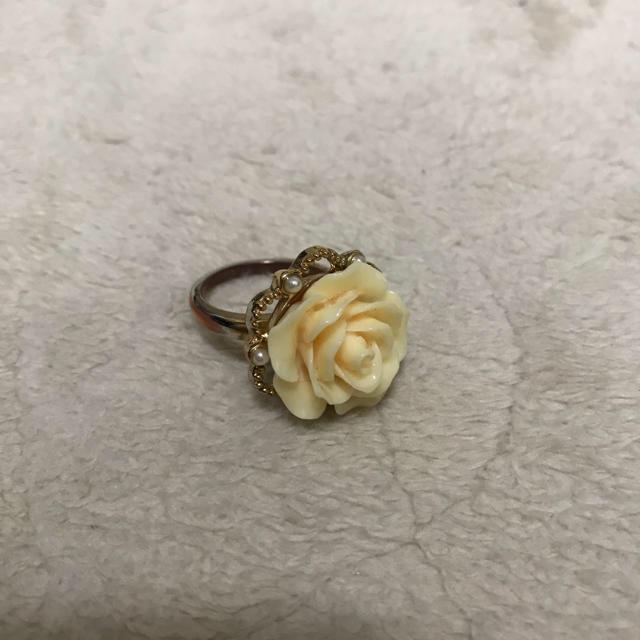 バラの指輪 レディースのアクセサリー(リング(指輪))の商品写真