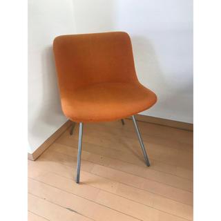 デスクチェア 小型 椅子 オレンジ オフィス 軽い(オフィスチェア)