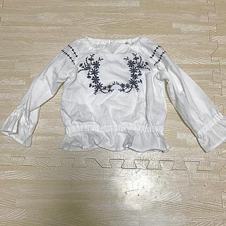 ニシマツヤ(西松屋)のベビー 刺繍ブラウス 90(ブラウス)