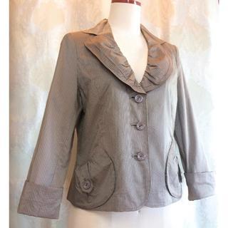 セラビ(C'EST LA VIE)のC'est la Vie Beau 軽やかシャンブレーのデザインジャケット(テーラードジャケット)