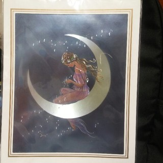 月と女性の絵(写真)