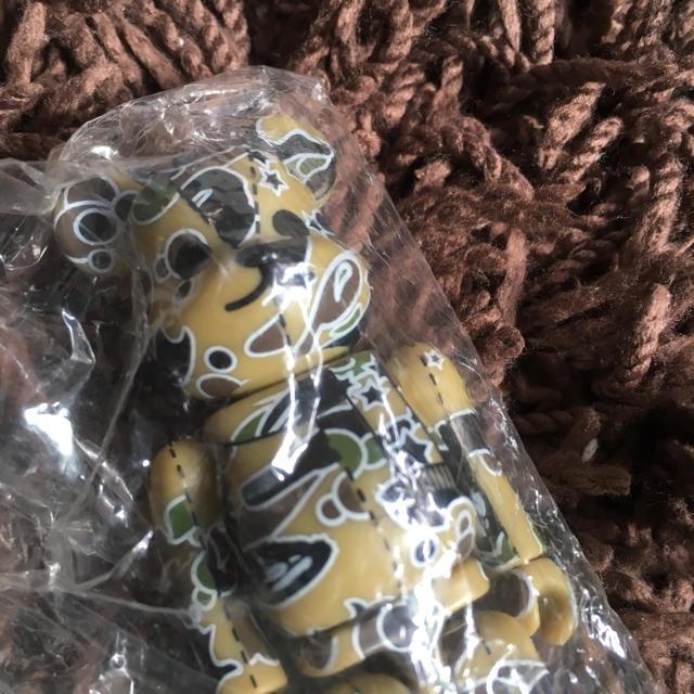A BATHING APE(アベイシングエイプ)のape ベアブリック  16.66% カモ bape エンタメ/ホビーのおもちゃ/ぬいぐるみ(キャラクターグッズ)の商品写真