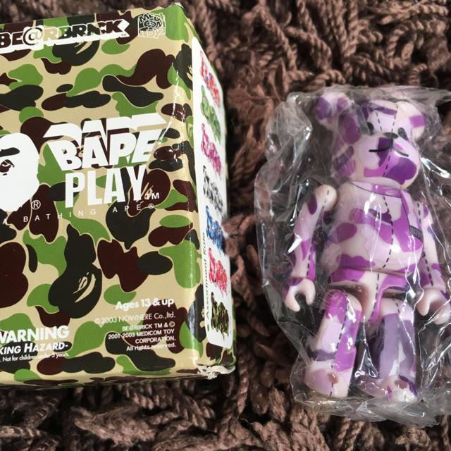 ape ベアブリック 2/24 フィギュア メンズのファッション小物(その他)の商品写真